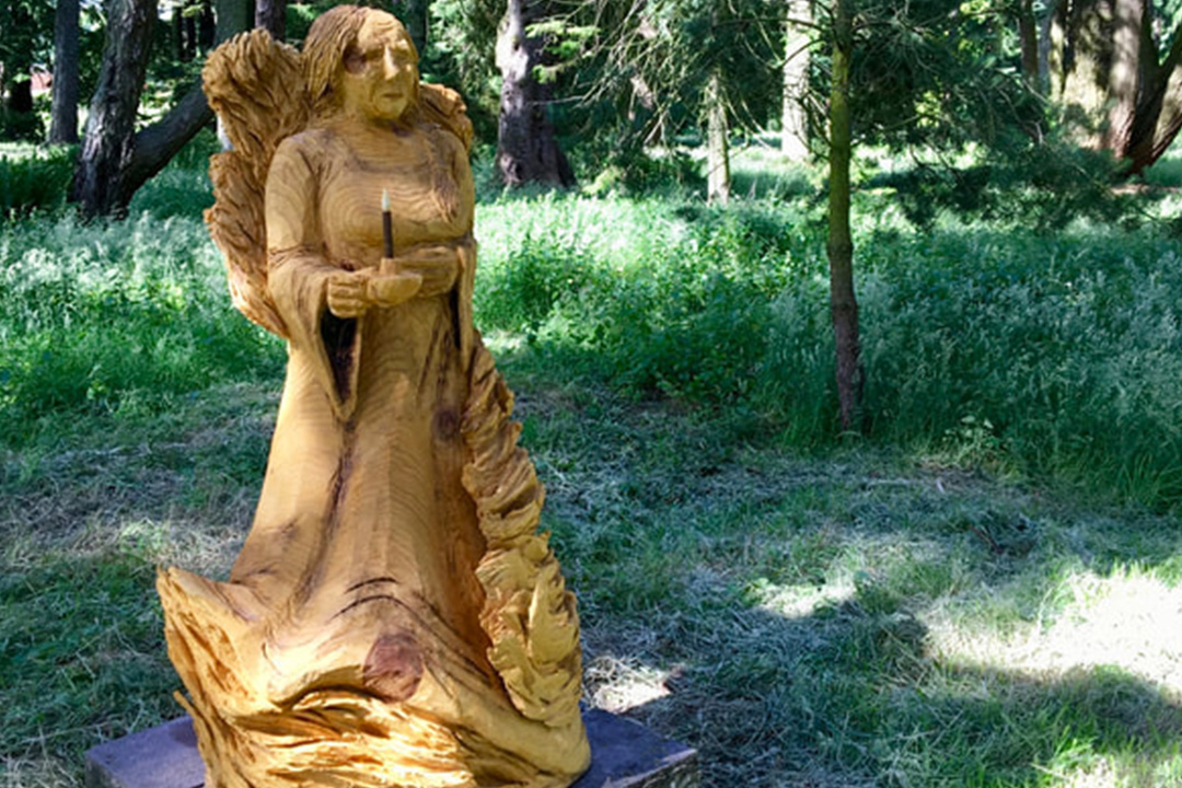Lady Macbeth Carving